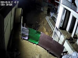 пример камеры ночью на стройке